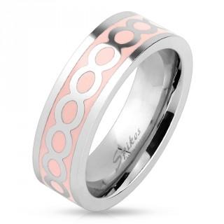 Bague femme en acier avec anneaux de l'infinie sur fond rose