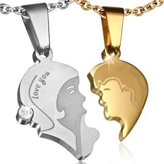 Paire de pendentifs acier demi-coeurs avec couple d'amoureux